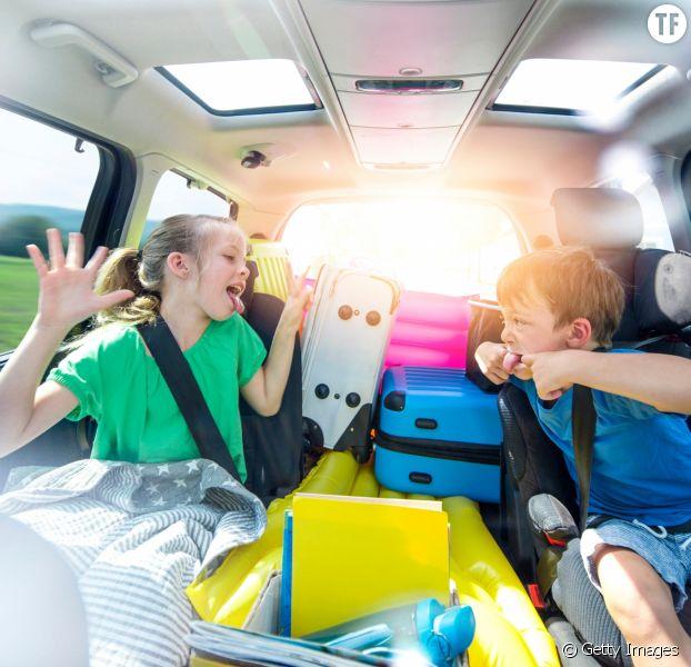 Ce papa a créé un objet magique pour éviter les disputes des enfants en voiture