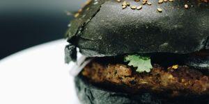 La recette de l'étonnant black burger
