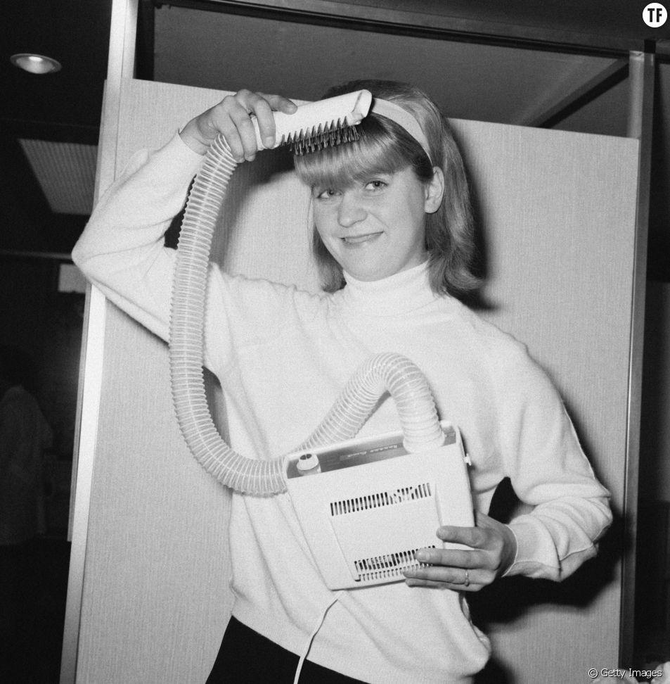 Nouveau sèche-cheveux présenté au SAM de 1968