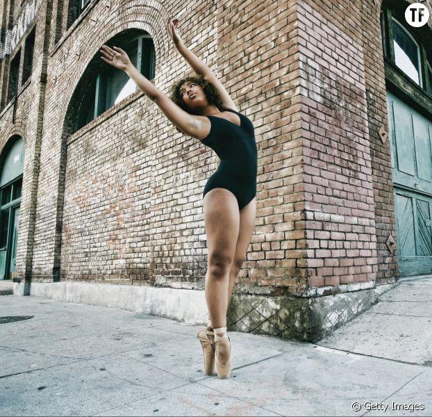 Une danseuse métisse