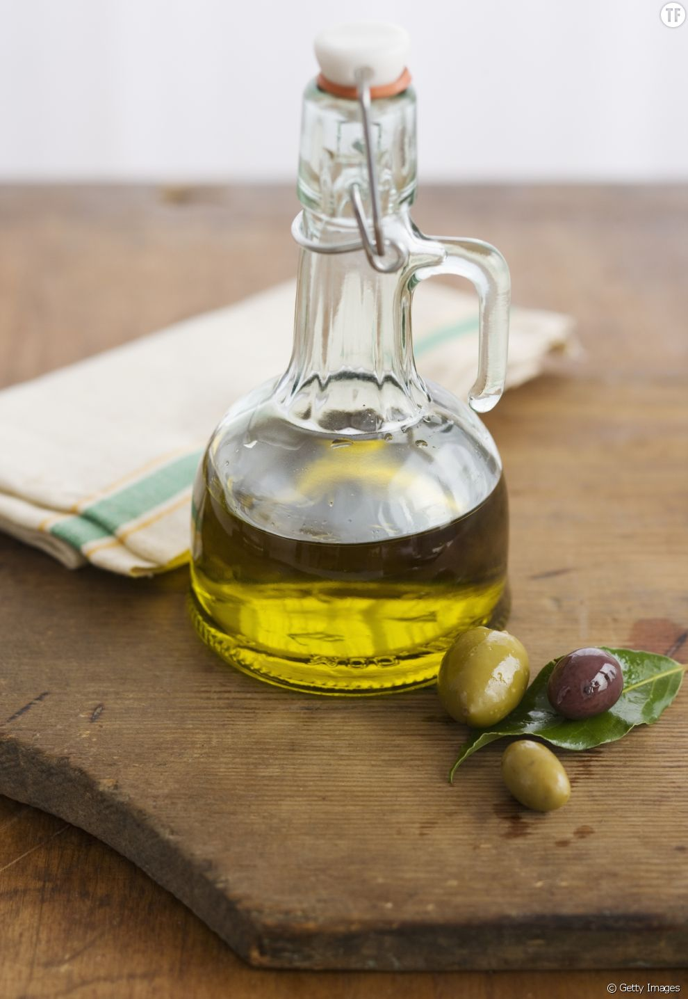 L'huile d'olive, l'astuce magique pour faire sécher ses ongles ?