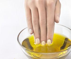 J'ai testé l'huile d'olive pour sécher mon vernis en quelques secondes