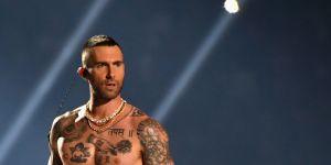 Pourquoi les tétons d'Adam Levine choquent-ils moins que ceux de Janet Jackson ?