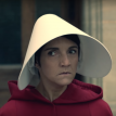 "Florence Foresti parodie ""The Handmaid's Tale"" contre les violences conjugales"