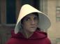 "Florence Foresti parodie ""The Handmaid's Tale"" contre les violences conjugales"
