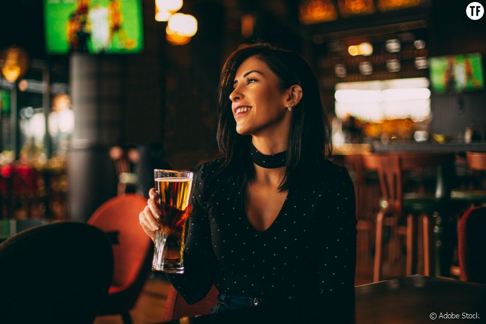 Un bar de Dubaï offre des boissons gratuites aux femmes en fonction de leur poids