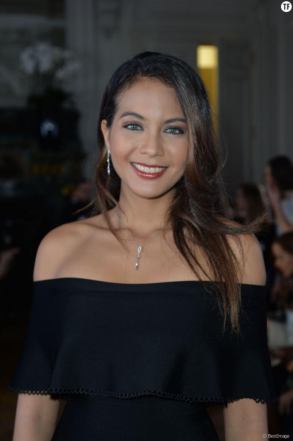 """Vaimalama Chaves, Miss France 2019 - Photocall du défilé de mode Prêt-à-Porter automne-hiver 2019/2020 """"Guy Laroche"""" à Paris. Le 27 février 2019."""