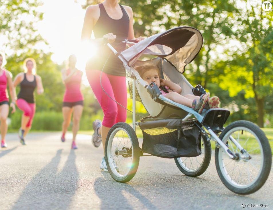 Cette maman athlète court un semi-marathon une poussette à la main et bat un record