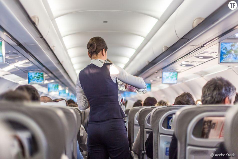 """""""Tu ne veux pas faire une pipe au commandant de bord ?"""" : les hôtesses d'Air France dénoncent"""