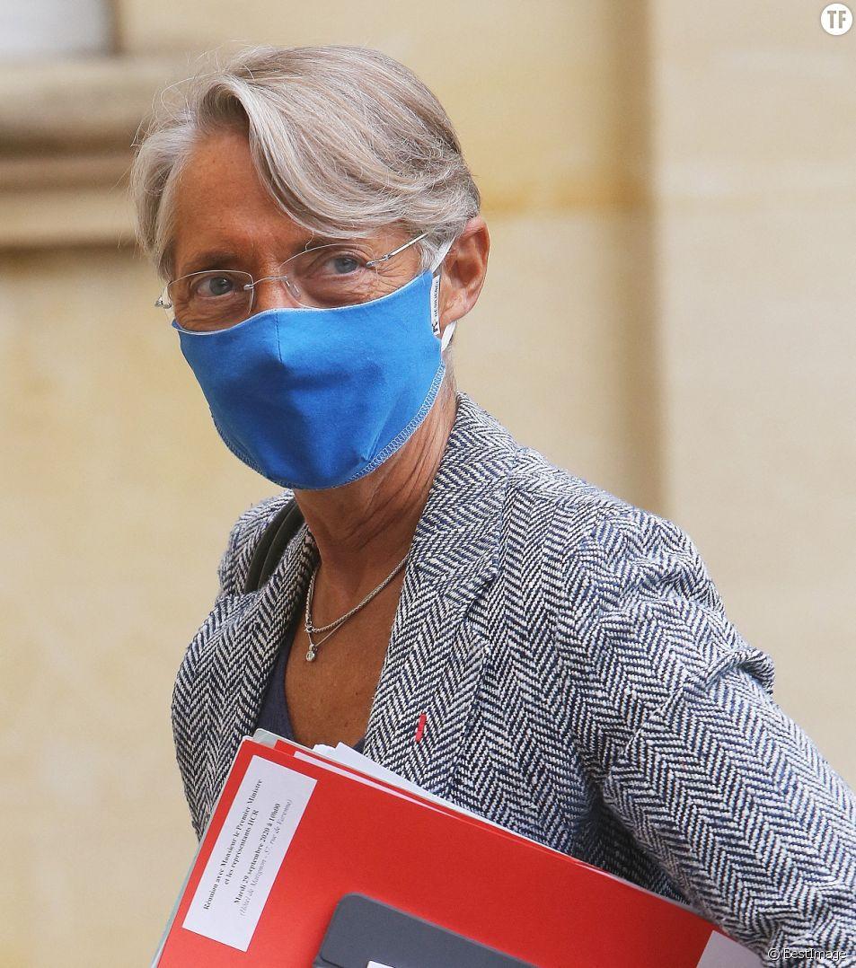 Elisabeth Borne, Ministre du Travail de l'Emploi et de l'Insertion, arrive à Matignon.