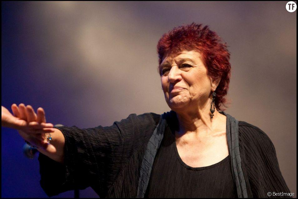 La chanteuse féministe Anne Sylvestre vient de nous quitter.