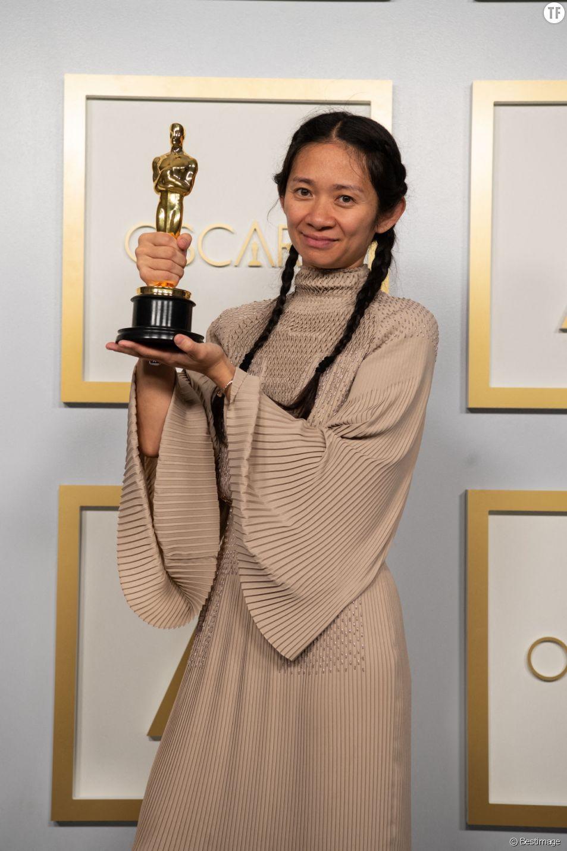 Chloé Zhao repart de la 93e édition des Oscars sur un air de triomphe.
