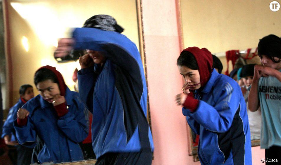 Des femmes afghanes pratiquant la boxe à Kaboul en 2012
