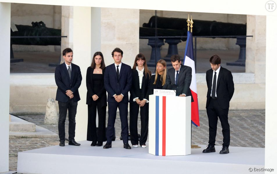 Stella Belmondo, Victor Belmondo, Giacomo Belmondo, Alessandro Belmondo, Annabelle Belmondo lors de la cérémonie d'hommage national à Jean-Paul Belmondo aux Invalides le 9 septembre 2021.