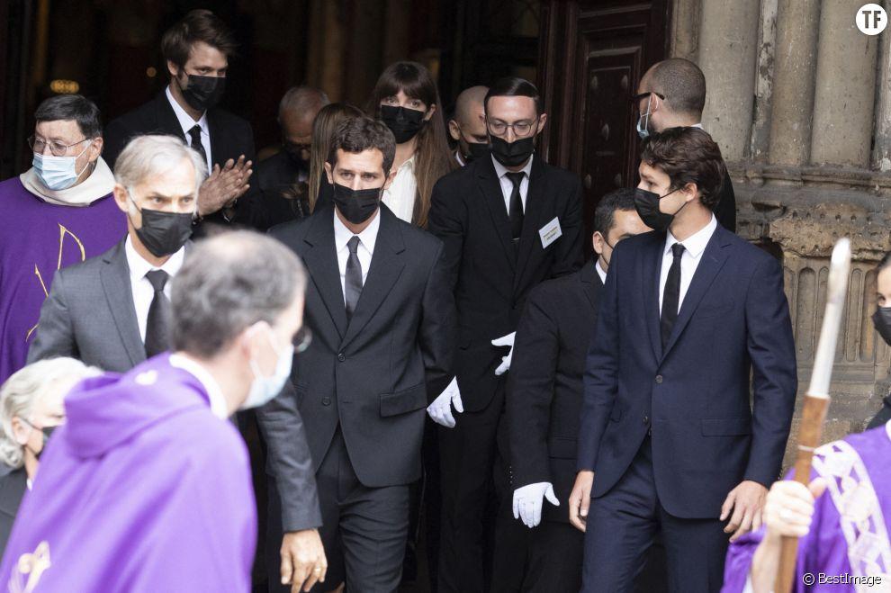 Paul Belmondo, Victor, Giacomo, Alessandro, Annabelle aux obsèques de Jean-Paul Belmondo en l'église Saint-Germain-des-Prés, le 10 septembre 2021