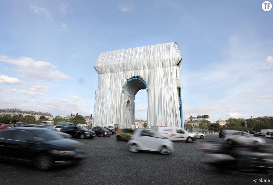Derrière l'Arc de Triomphe empaqueté, il y a aussi Jeanne-Claude