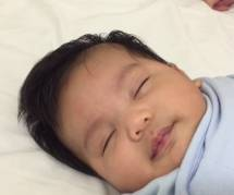 Ce papa révèle son astuce étonnante pour endormir son bébé en moins d'une minute
