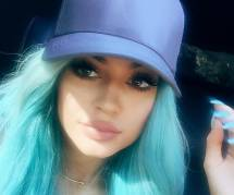 Le Kylie Jenner challenge : quand les ados du monde entier se gonflent les lèvres