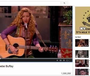 """Phoebe buzze sur YouTube avec sa vidéo de """"Tu pues le chat""""."""