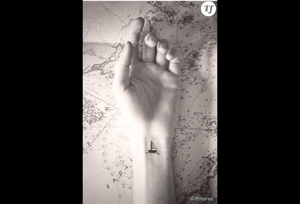 Id e de tatouage sur le poignet un bateau terrafemina - Idee tatouage poignet ...