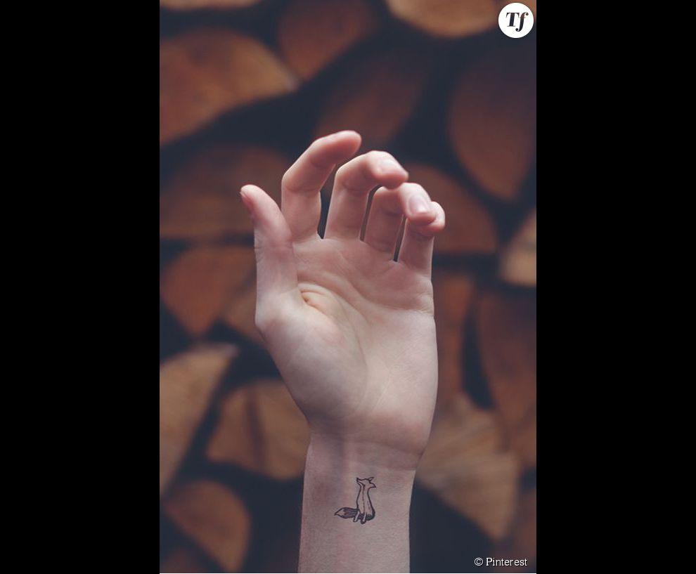 Idee De Tatouage Sur Le Poignet Un Renard Terrafemina