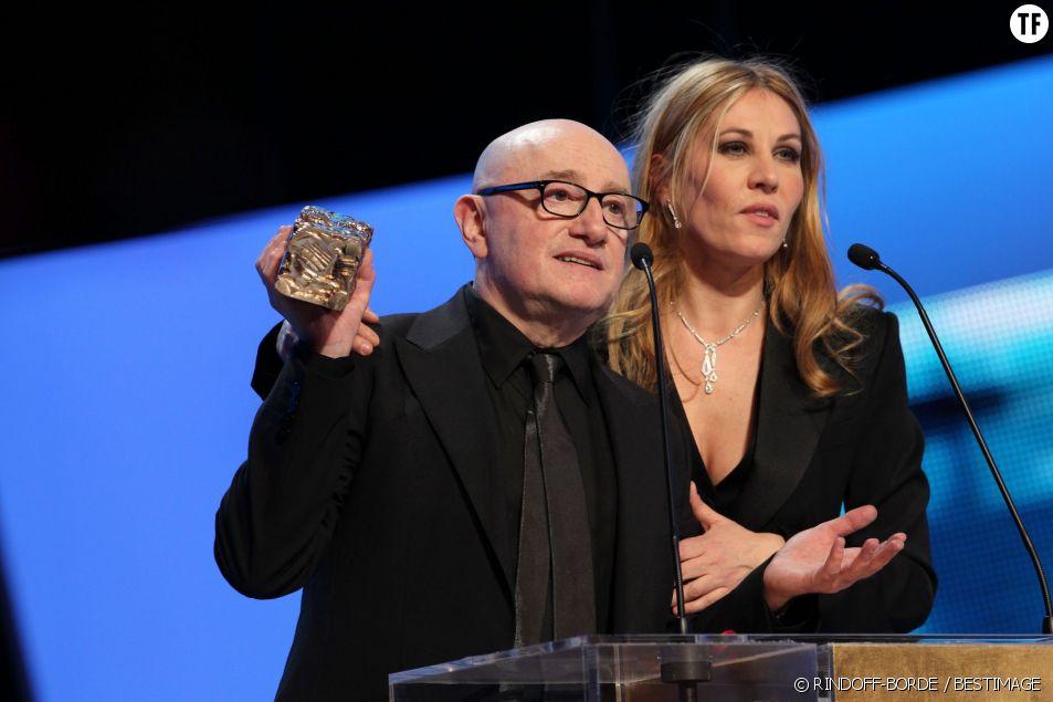 Michel Blanc et Mathilde Seigner aux César 2012 lors de la remise du prix du meilleur acteur dans un second rôle.