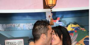 Les Anges 7 - Vivian et Nathalie à nouveau en couple : le baiser qui confirme (Photo)