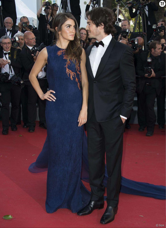 Nikki Reed et son mari Ian Somerhalder montent les marches du Festival de Cannes 2015