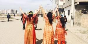 Pourquoi les femmes turques postent des photos de leur dos sur Internet