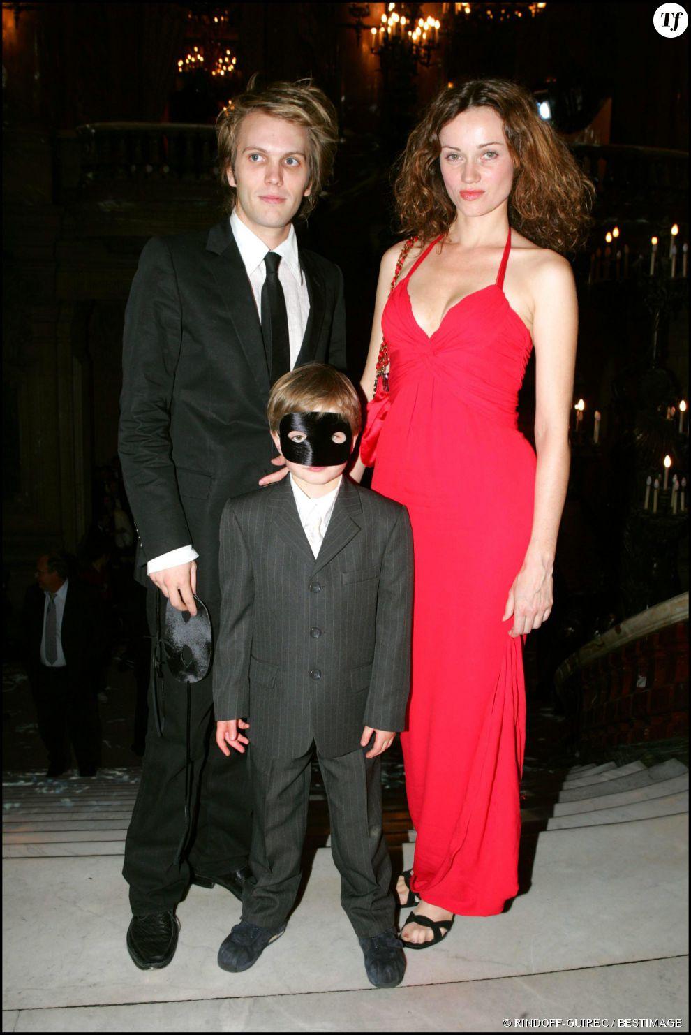 Florian Zeller, Marine Delterme et son fils Gabriel (né de sa première union avec l'acteur Jean-Philippe Écoffey).  Florian Zeller et Marine Delterme ont un fils, Roman, né en 2008.