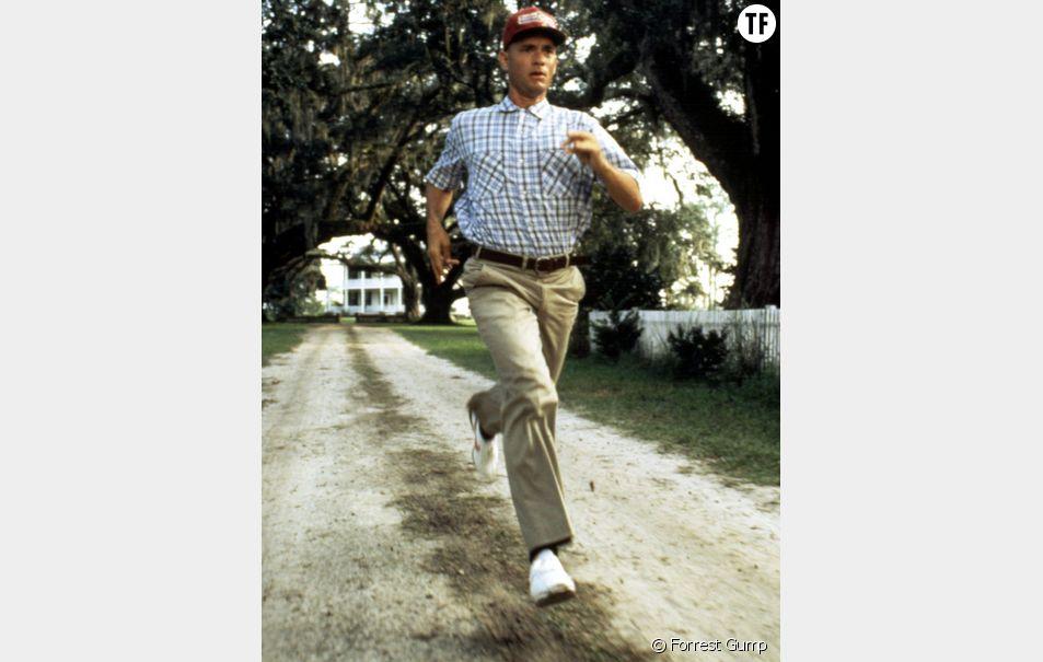 Malgré son don pour la course à pied, Forrest n'est pas équipé de façon adéquat pour s'adonner au running.