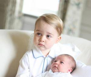 "Kate Middleton : la princesse Charlotte est beaucoup ""plus facile"" que le Prince George"