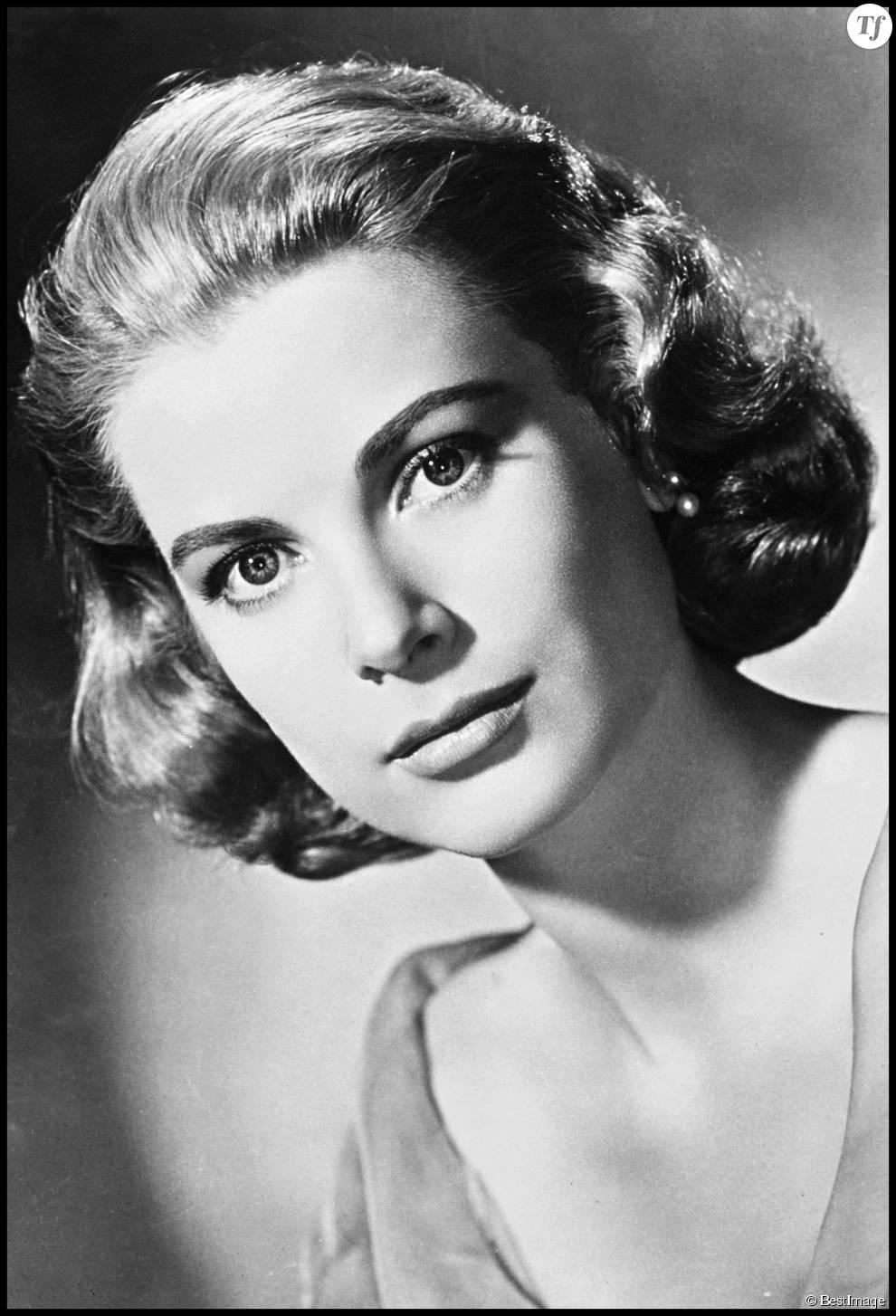 La princesse Grace Kelly a largement inspiré les pin-up d'aujourd'hui avec son carré bouclé ultra sophistiqué dans les années 50.