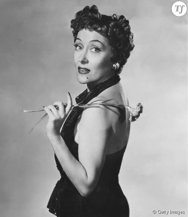 Les bouclettes années 50 à la garçonne de l'actrice Gloria Swanson.