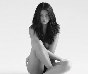 """La couverture de """"Revival"""", le nouvel album de Selena Gomez"""