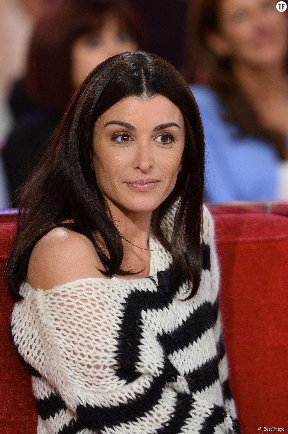 """Jenifer Bartoli - Enregistrement de l'émission """"Vivement Dimanche"""" à Paris le 29 Septembre 2015"""