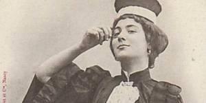"""""""Les femmes de l'avenir"""" : cette série de cartes postales misogynes de 1902 est édifiante"""