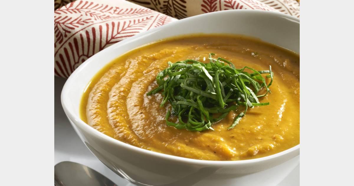 Soupe au potimarron et garniture au chou kale la recette - Cuisiner les potimarrons ...