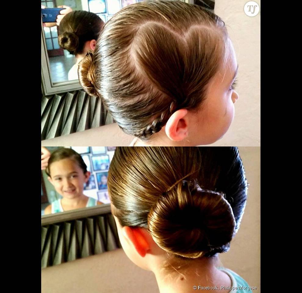 Pour elle, il appris à faire des coiffures comme un vrai professionnel !