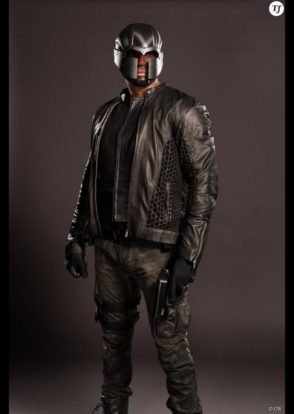 Diggle est-il le personnage enterré dans le 1er épisode de la saison 4 d'Arrow ?