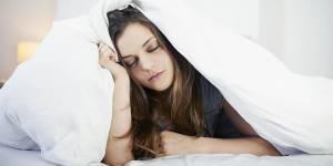 """Grasse mat' : est-il vraiment possible de """"rattraper son sommeil"""" ?"""