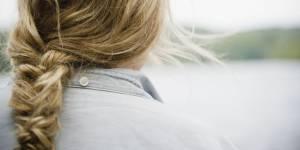Tuto coiffure : comment se faire une tresse bohème soi-même
