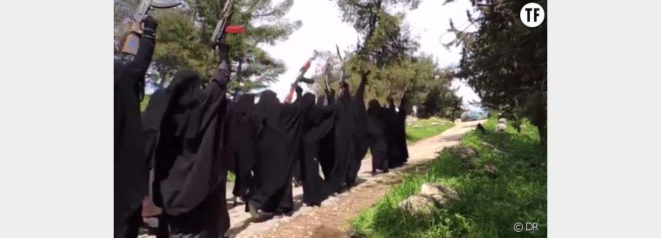 L'entraînement des miliciennes de Daech
