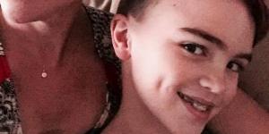 Ce petit garçon rêvait d'un cours de maquillage : sa transformation bouleverse le web