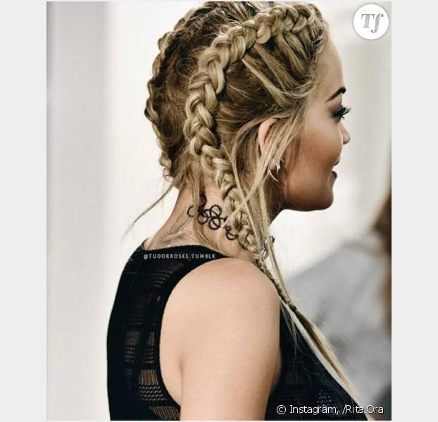 Rita Ora apprécie particulièrement les tresses cornrows