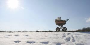 Pourquoi les Scandinaves font dormir leur bébé dehors par -15°C