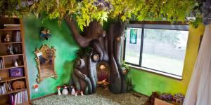 Une chambre digne d'un conte de fées : l'incroyable défi d'un papa bricoleur
