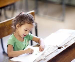Les enfants devraient-ils travailler debout à l'école ?