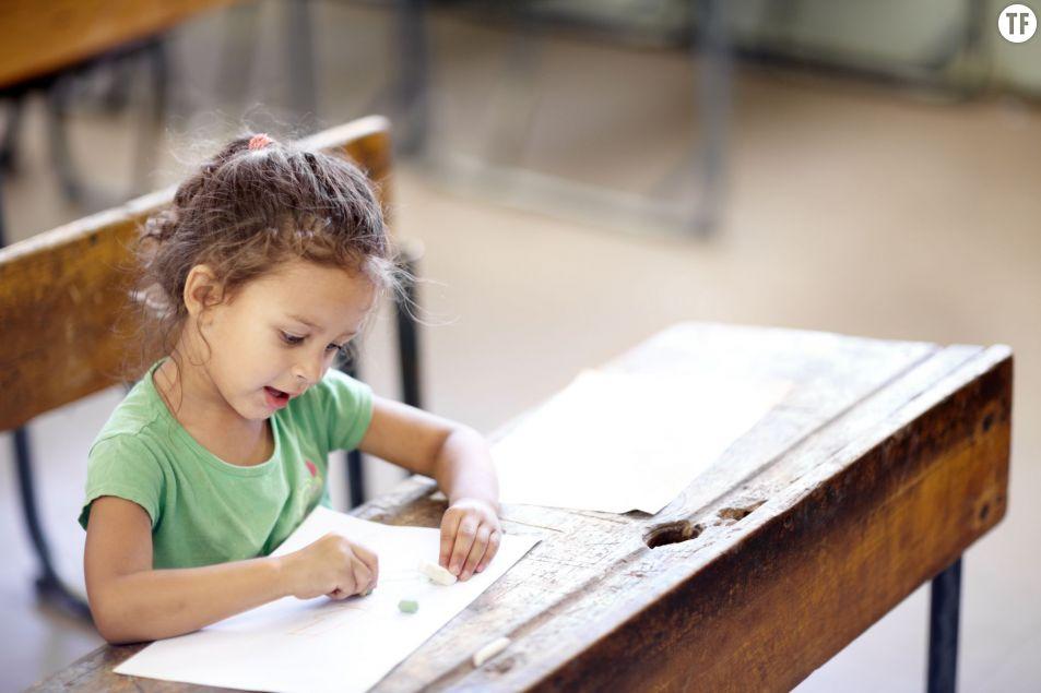Les élèves devraient-ils rester debout en classe ?