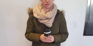 Harcèlement de rue : pourquoi le message de cette jeune femme en parka fait le tour du monde